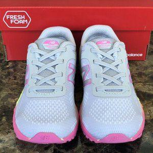 🆕 New Balance Toddler Girls Fresh Foam V2 sneaker